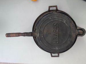 1930s-1940s Stover 8 waffle iron for Sale in Fort Washington, MD