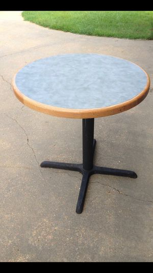 Table for Sale in Tupelo, MS