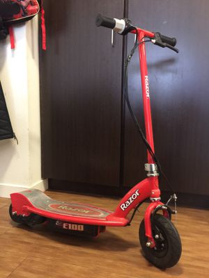 Electric razor scooter for Sale in Portland, OR