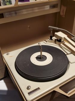 Vintage Wildcat Record Player for Sale in Buena Park,  CA