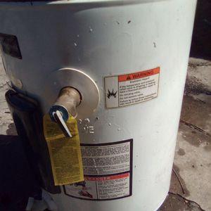 Whirlpool 12 gallon ELECTRIC water heater for Sale in San Antonio, TX