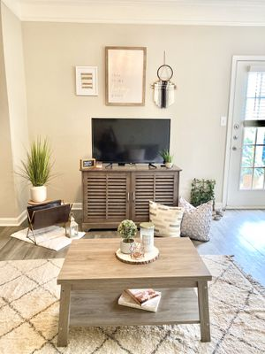 LIKE NEW TV Stand + Coffee Table🤎 for Sale in McDonough, GA