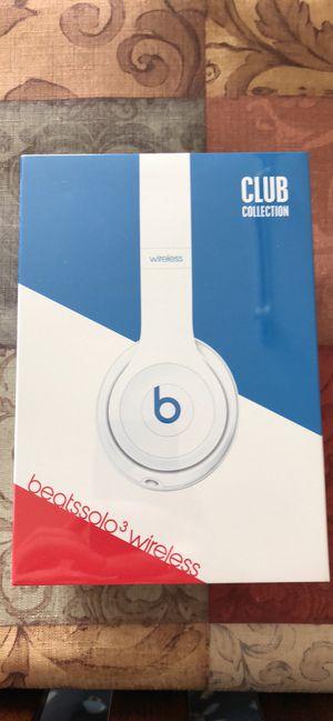 White Beats Solo 3 Wireless for Sale in Wichita, KS
