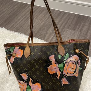 Louis Vuitton Neverfull MM Roses Tote Bag for Sale in Dallas, TX