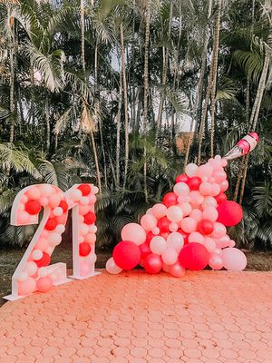 LETTER AND NUMBER BALLOON MOSAIC for Sale in Royal Palm Beach, FL