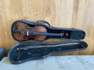 Full size violin 4/4 - Copy of Antonius Stradivarius for Sale in Mercer Island, WA