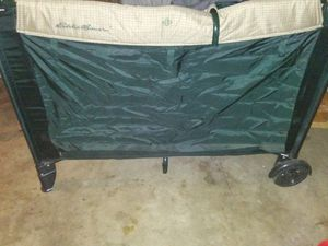 Play yard/changing table/bassinett for Sale in Fresno, CA