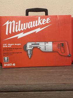 PRECIO FIRME - FIRM PRICE MILWAUKEE 7 AMP 1/2 RIGHT ANGLE DRILL KIT for Sale in Dallas,  TX
