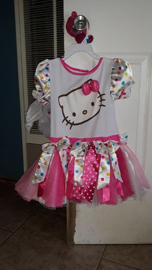Hello kitty costume size 4-6 for Sale in Highland, CA