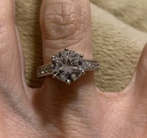 New CZ 1.75 kt sterling silver wedding ring size 7 for Sale in Inverness, IL