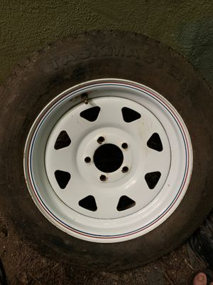 White Spoke Trailer Wheel 5 hole for 15 inch tire. ( tire shown is no good) for Sale in Miami, FL