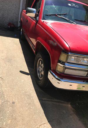 Chevy Silverado 94 c1500 for Sale in Gainesville, GA