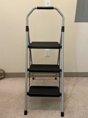 Gorilla 3 step steel ladder (load capacity 225lbs) for Sale in Woonsocket, RI