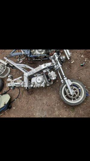 50cc motor (2) with misc parts 80$ for Sale in Dallas, TX