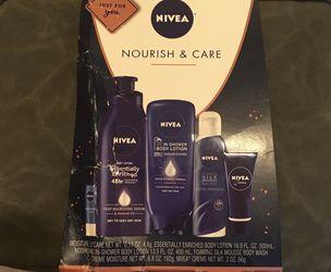 New Nivea Skin Care Gift Set for Sale in Redmond,  WA