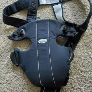 Baby Björn Carrier for Sale in Abington, MA