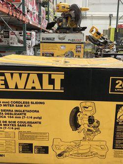 DEWALT 20-Volt MAX Cordless 7-1/4 in. Sliding Miter Saw with (1) 20-Volt Battery 4.0Ah for Sale in Las Vegas,  NV