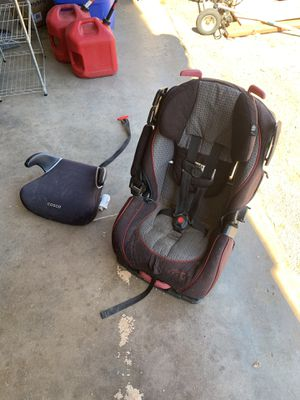 Car seat and booster FREE for Sale in Escondido, CA