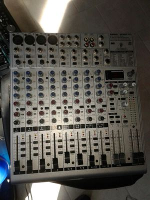 Consola BEHRINGER for Sale in Fort Worth, TX