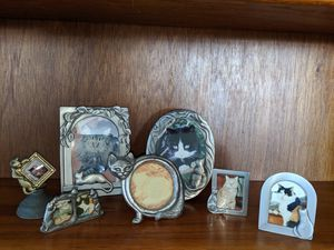 7 small cat themed picture frames for Sale in Swampscott, MA