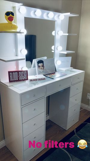 Vanity set Vanity desk Vanity Mirror with 11 Drawers and clear glass top for Sale in Long Beach, CA