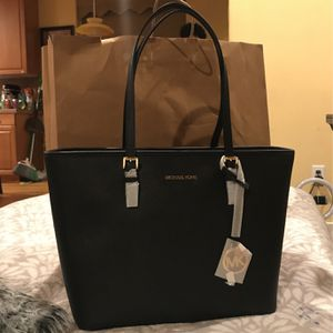 Micheal Kors Bag for Sale in Bothell, WA