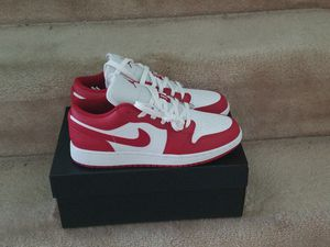 Size 7y Jordan Retro 1 Low Gradeschool size Gym Red for Sale in Silver Spring, MD