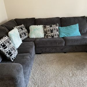 Sectional Grey Sofa for Sale in Portland, OR