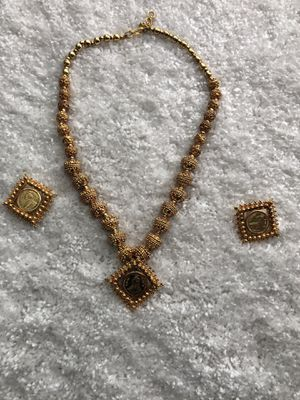 Gold costume jewelry set for Sale in Clarksburg, MD