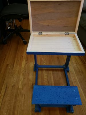kids desk and chair set for Sale in Nashville, TN