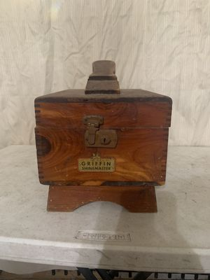 1950's vintage shoe shine box for Sale in Scio, OH