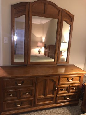 Dresser with Tri-Fold Mirror for Sale in St. Louis, MO