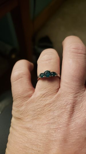 Emerald ring. Does have 2 tiny diamonds on both ends. White gold. Women's size 7. for Sale in Callaway, NE