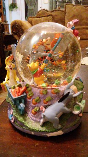 Winnie the Pooh water globe for Sale in Lancaster, TX