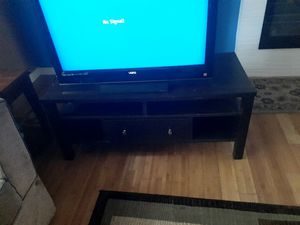 32 inch Vizio tv, tv stand and roku system for Sale in Renton, WA