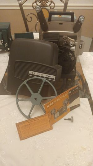 Bell & Howell automatic projector 8mm for Sale in Martinsburg, WV