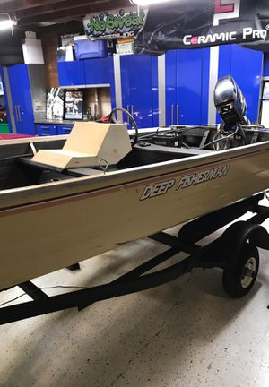 14 ft mirrocraft fishing boat with 25 hp mercury just serviced in shelton ct for Sale in Shelton, CT