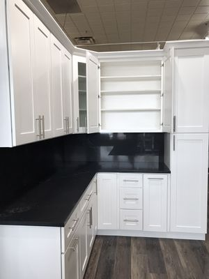 Kitchen cabinets and vanity Quartz countertop for Sale in Renton, WA