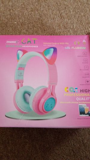 Riwbo CAT WIRELESS HEADPHONES for Sale in New Haven, CT