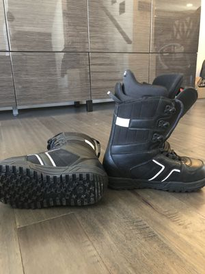 Burton Boots Size 8 (Barely used) for Sale in Manassas, VA