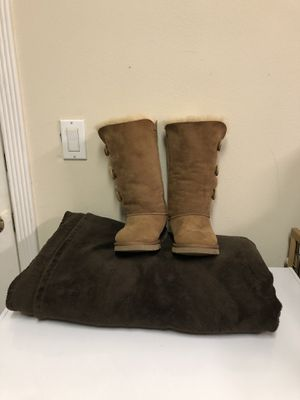 UGG Triple Button Triplet Boot for Sale in Palo Alto, CA