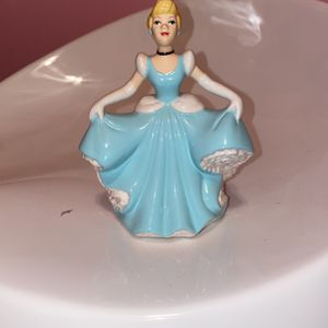 Cinderella Glass Figure for Sale in Austell, GA