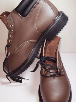 """Red Wing Heritage 8215 Steel Toe 6"""" Size: 10 for Sale in Spring,  TX"""