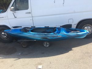 Kayak mission 100 ramX premium for Sale in Albany, CA