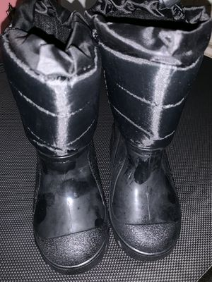 Boys or Girls Winter ❄️ Boots ( size 8) for Sale in Phoenix, AZ