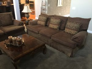 Couch, love seat, coffee table, and end table for Sale in Brentwood, TN
