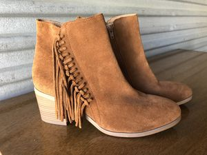 Kenneth Cole Reaction Rowdy Brown Suede /Fringe Ankle Boots . for Sale in Punta Gorda, FL