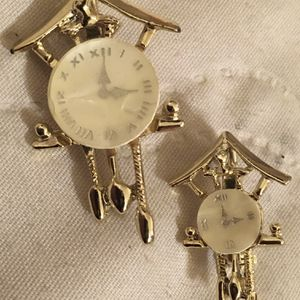 1950s Mother of Pearl Faced Pair Of Cuckoo Clock Brooch Pins for Sale in St. Louis, MO