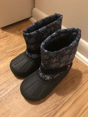 Snow boots kids size 11 for Sale in Tampa, FL