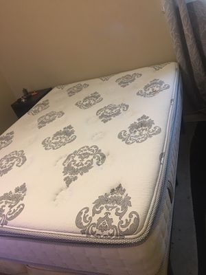 Queen cool gel mattress for Sale in Columbus, OH